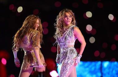 Shakira-JLo-Super-Bowl-GettyImages-1203660961.jpg