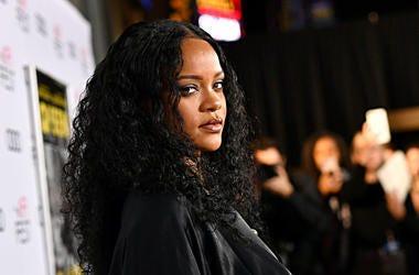 Rihanna-GettyImages-1187743149.jpg