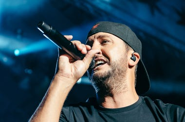 Luke Bryan at Lakeshake