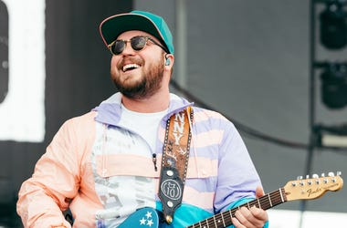 Mitchell Tenpenny at Lakeshake