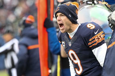 Kicker Robbie Gould #9 of the Chicago Bears gives instruction to teammate in the second quarter against the Detroit Lions at Soldier Field on January 3, 2016 in Chicago, Illinois.