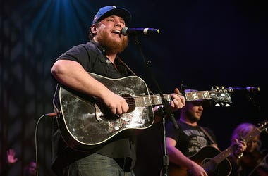 Luke Combs, Acoustic, Song, Lovin' On You, Single, Live, Performance