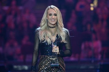Carrie Underwood, NFL, Sunday Night Football, NBC, Headline, Show Open
