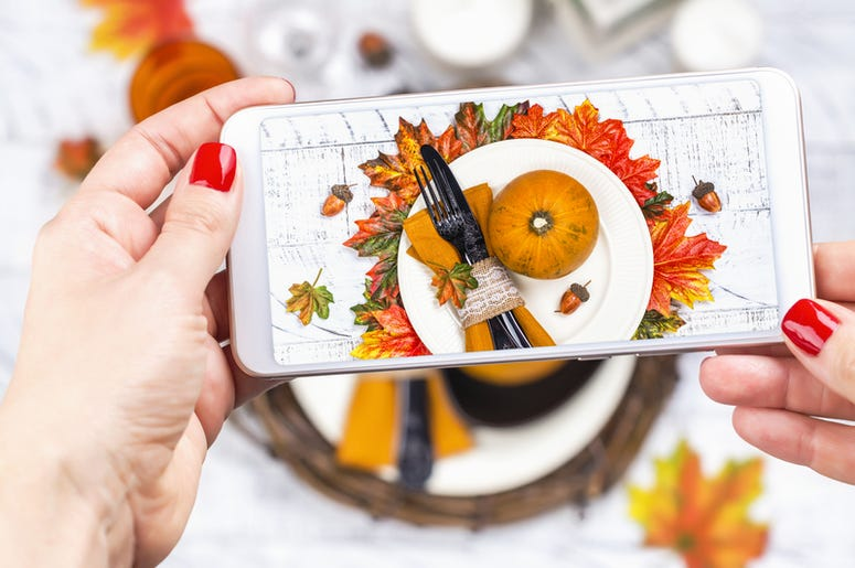 iPhone Thanksgiving Table