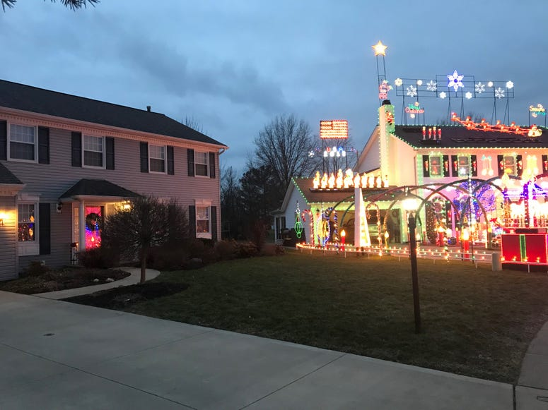 house with no decorations