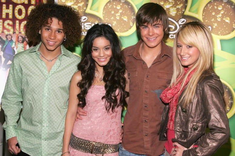 High School Musical Cast, Reunion, Disney, Singalong
