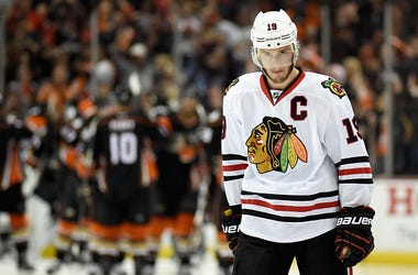 Jonathan Toews, Chicago Blackhawks, Captain, Donation, COVID-19