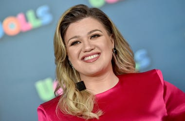 Kelly Clarkson, America's Got Talent, Guest Judge, Simon Cowell, Injury