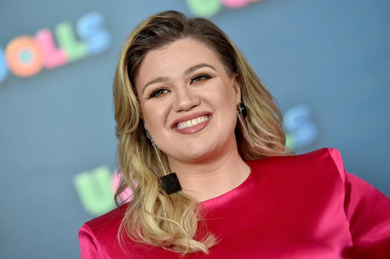 Kelly Clarkson, America's Got Talent, Guest Judge, Simon Cowell, Injury