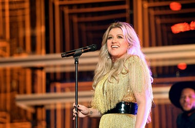 Kelly Clarkson, Cover, Taylor Swift, Pride, Kellyoke, The Kelly Clarkson Show