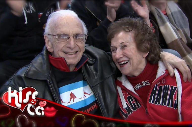 Kiss Cam, Blackhawks, Hockey, Tribute, Chicago, Couple
