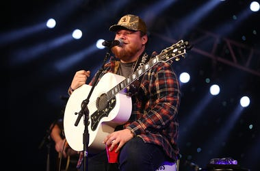 Luke Combs, Cros, Collaboration, Fuzzy, Winter,