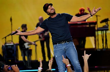 Luke Bryan, Artist of the Decade, Country Music