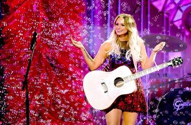 Miranda Lambert, History CMA Awards, Nominations, Reba McEntire