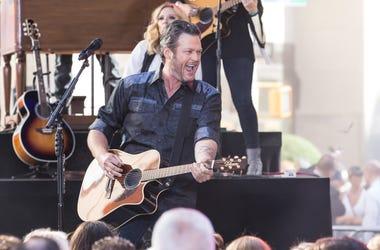 Blake Shelton performing at Rockefeller Plaza
