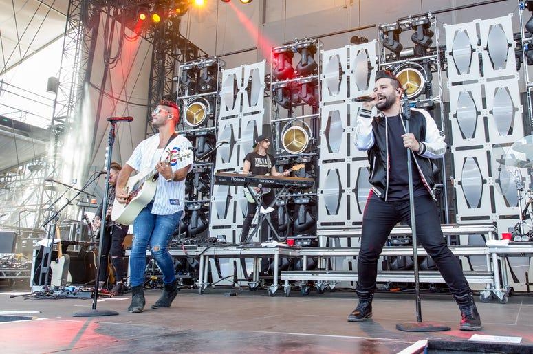 Dan + Shay on stage at LakeShake 2017