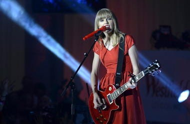 Taylor Swift, Country Music, Christmas