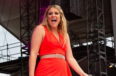 Lauren Alaina at Lakeshake
