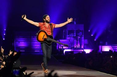 Thomas Rhett, Kelly Clarkson, The Kelly Clarkson Show, Perform, TV,