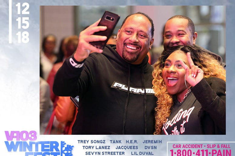 Frank Ski takes selfie with fans attending #V103Winterfest in Atlanta on December 15, 2018