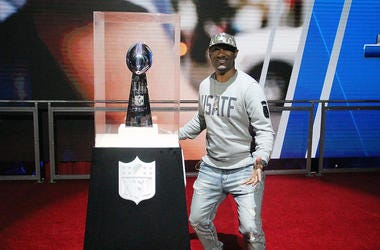 Big Tigger with the Vince Lombardi Trophy
