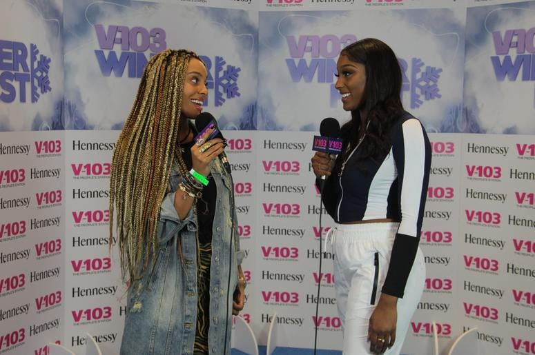 Jade Novah and Liz Smith backstage at V-103 Winterfest 2018