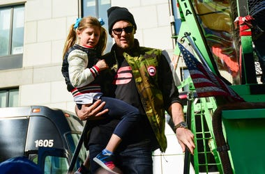 Tom Brady and His Daughter Go Cliff Jumping!.jpg.jpg