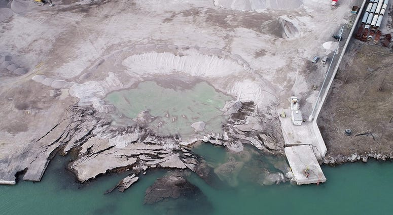 Detroit river dock collapse