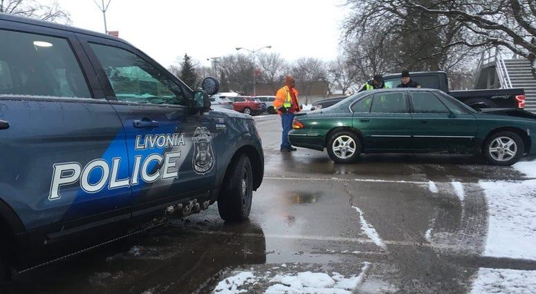 car bus crash livonia