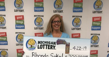 Macomb County Woman Winner