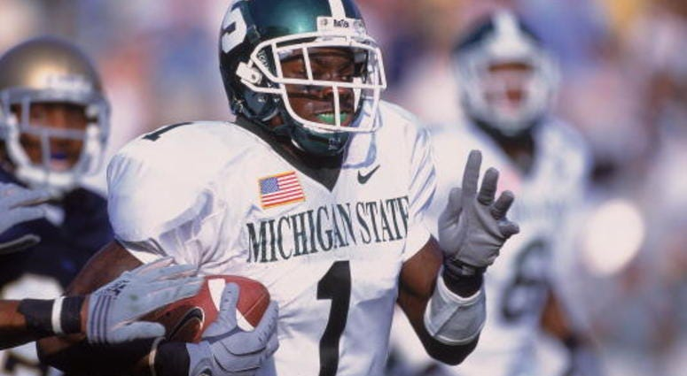 22 Sep 2001: Charles Rogers #1 of the Michigan State Spartans runs with the ball during the game against the Notre Dame Fighting Irish at the Notre Dame Stadium in South Bend, Indiana. The Spartans defeated the Fighting Irish 17-10.Mandatory Credit: Jonat