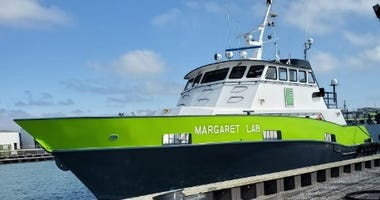 Algiers Ferry returns to service