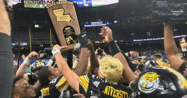 U-High defeats St. Thomas More in thrilling Div III title game
