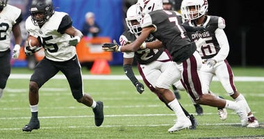 Oak Grove ended its state championship drought with a 55-12 win over White Castle in New Orleans on Dec. 14. Oak Grove Tigers Vs White Castle Bulldogs Lhsaa Class 1a Football State Championship Game