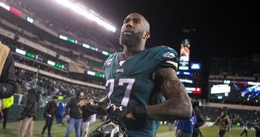 Eagles' Malcolm Jenkins (27) heads towards the locker room after losing to the Seattle Seahawks 17-9 Sunday night at Lincoln Financial Field. Sports Eagles Seahawks.