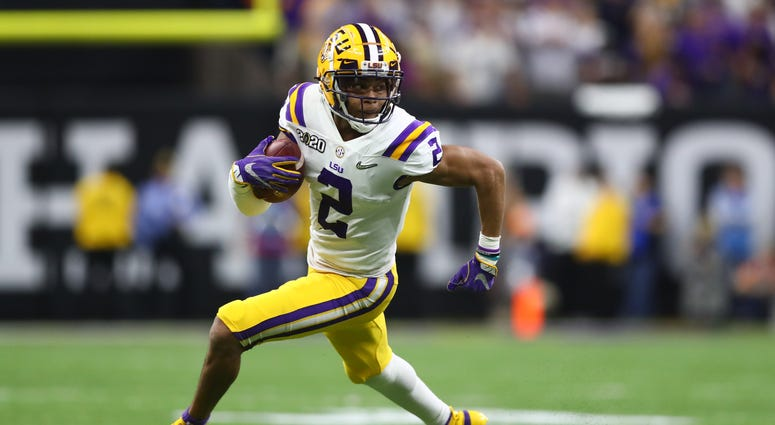 LSU Tigers wide receiver Justin Jefferson (2) against the Clemson Tigers in the College Football Playoff national championship game at Mercedes-Benz Superdome.
