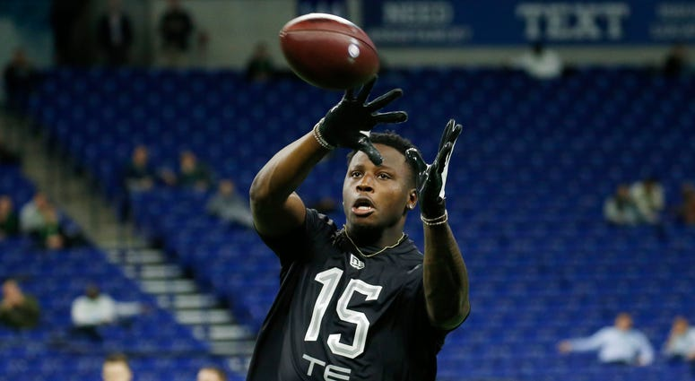 Louisiana State Tigers tight end Stephen Sullivan (TE15) catches a pass in a workout drill during the 2020 NFL Combine at Lucas Oil Stadium.