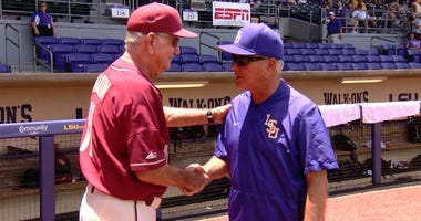 Paul Mainieri and Mike Martin shake hands
