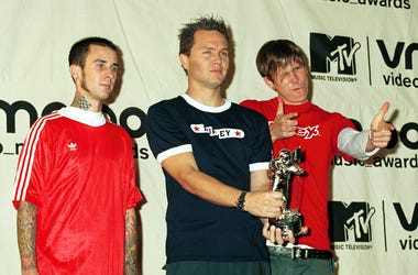 Rock band Blink 182 win Best Group Video September 7, 2000 at the MTV Awards at Radio City Music Hall in New York City. (Photo by George De Sota/Liaison)