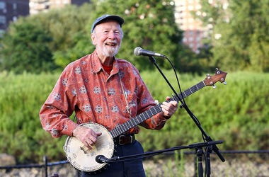 Pete Seeger performs live in concert