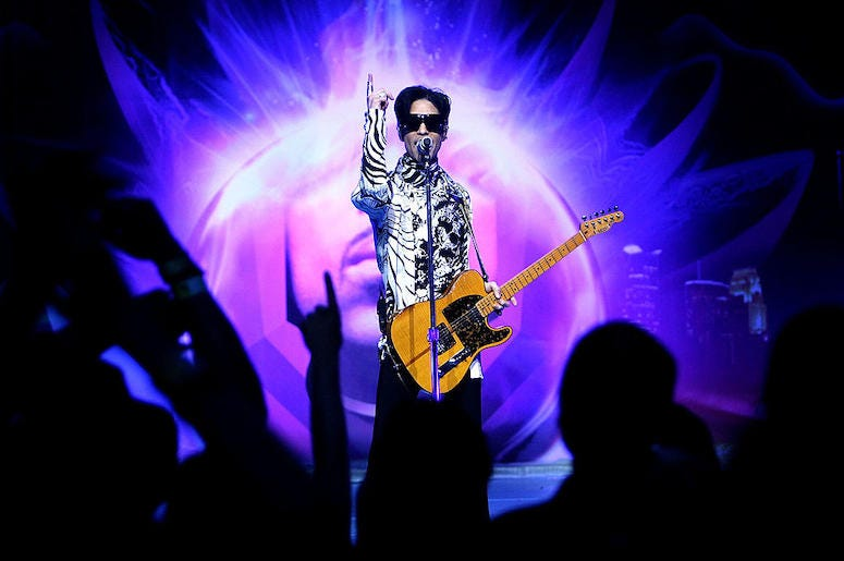 Prince performs live in concert.