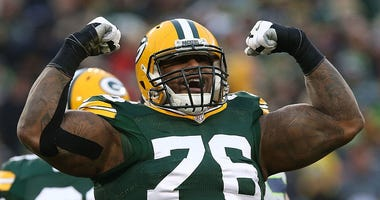 The Detroit Lions are finalizing a deal with former Green Bay Packer Mike Daniels