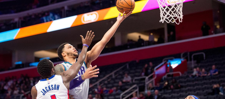 Hornets Beat Pistons 87-76, End 5-Game Losing Streak