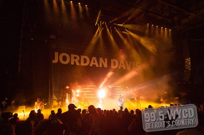 Jordan Davis, Jordan Davis WYCD Birthday Bash, DTE Energy Music Theatre, WYCD Birthday Bash