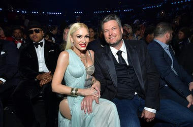 Blake Shelton and Gwen Stefani to play drive-in theaters