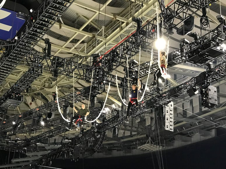 Bungee Acrobats Rehearse