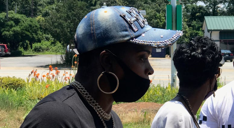 Activist Traci Fant Listens to Protester - Emily Gill