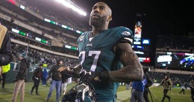 Eagles' Malcolm Jenkins (27) heads towards the locker room after losing to the Seattle Seahawks 17-9 Sunday night at Lincoln Financial Field. Sports Eagles Seahawks