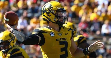Missouri Tigers quarterback Drew Lock