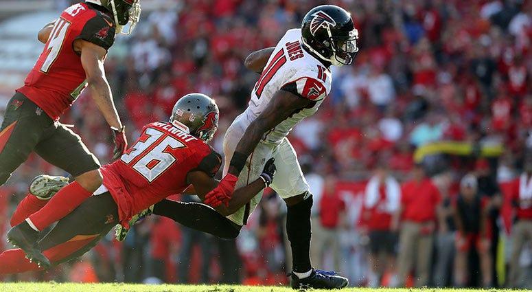 Atlanta Falcons wide receiver Julio Jones (11) runs with the ball